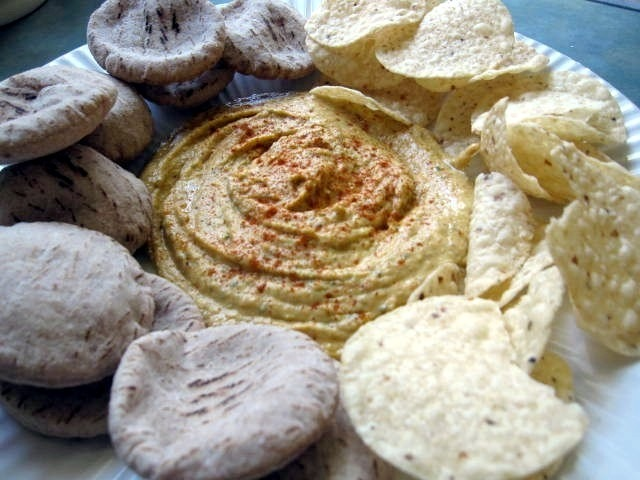 NYNY: Healthy Options for Superbowl Snacking + Red Pepper Hummus Recipe