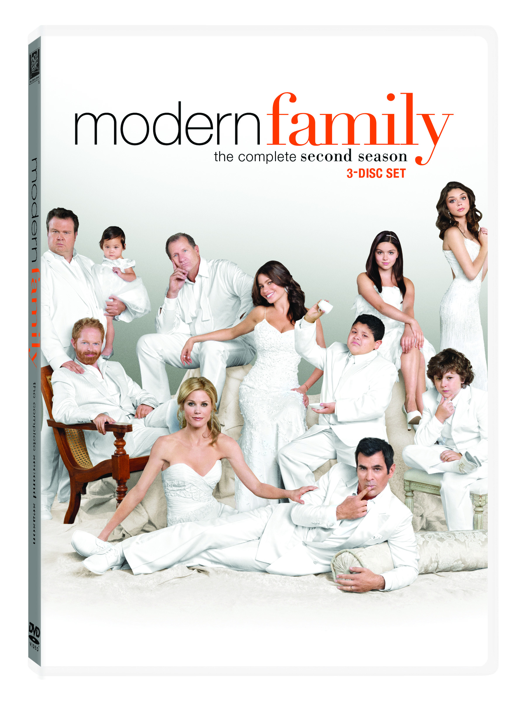 modern family the complete second season on dvd review giveaway
