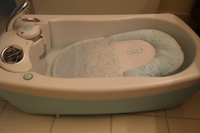 Summer Infant Lil\' Luxuries Whirlpool Bubbling Spa & Shower Review ...