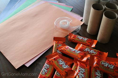 DIY Halloween Craft Kids Can Help With - That you can give to your trick or treaters or classmates!