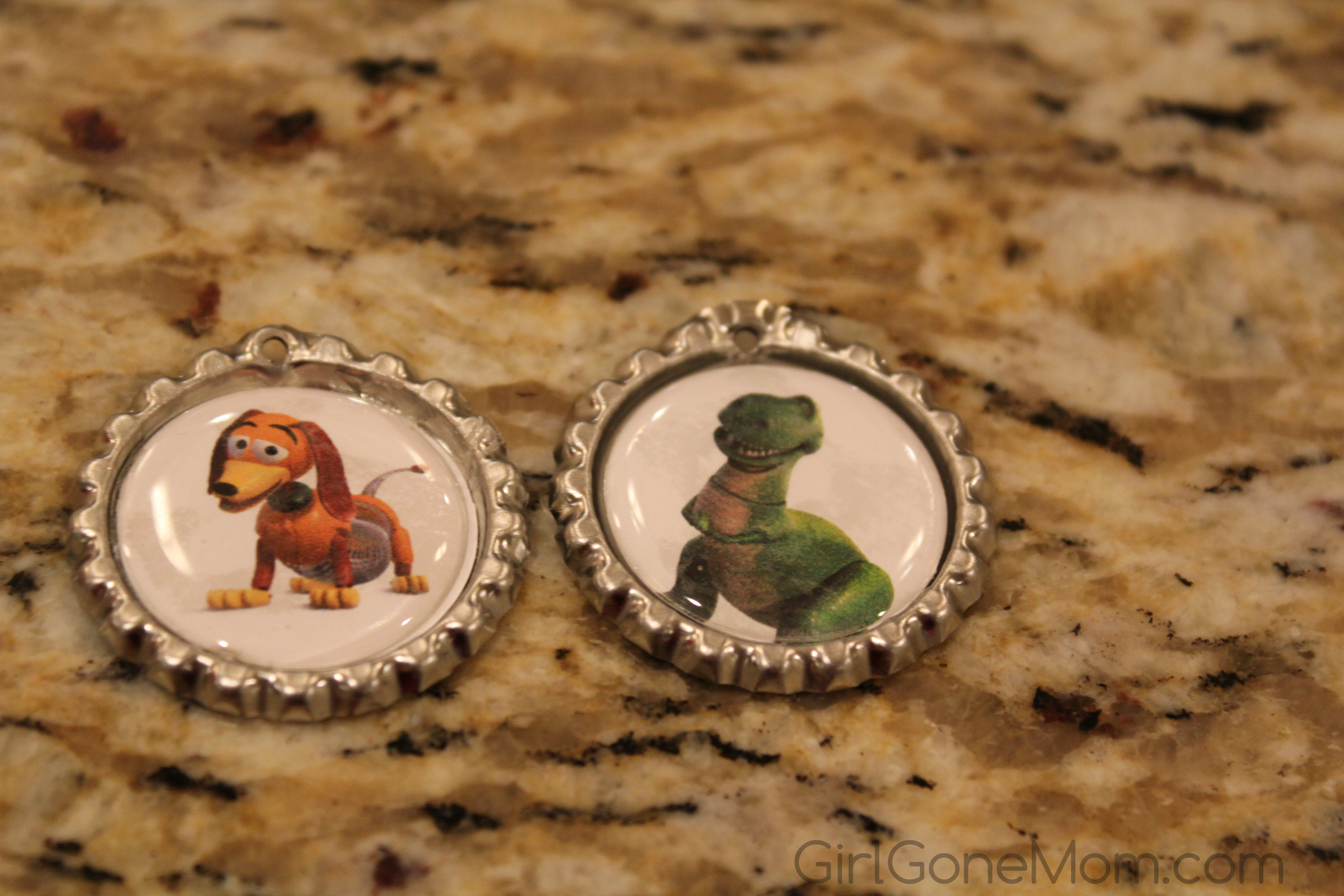 how to make bottle cap necklaces with epoxy stickers