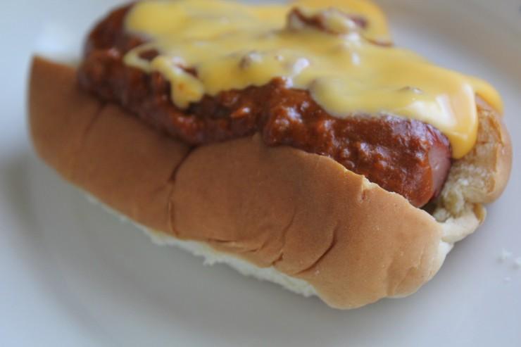 Easy Chili Dog #HormelChiliNation