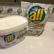 Mommy must-have: all® Free Clear OXI mighty pacs