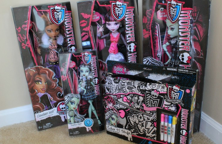 Monster High Holiday Gifts + Giveaway!