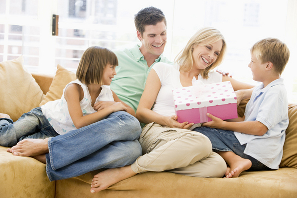 Holiday Guide for Young Parents