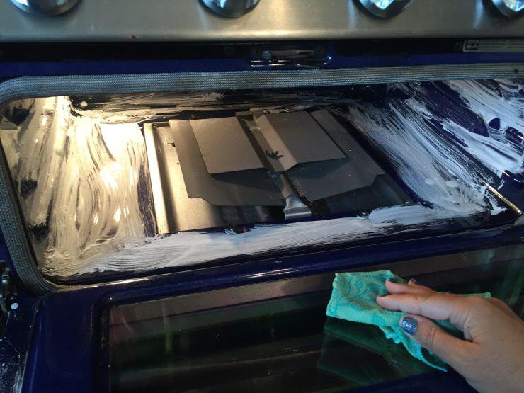 2-Ingredient Natural DIY Oven Cleaner