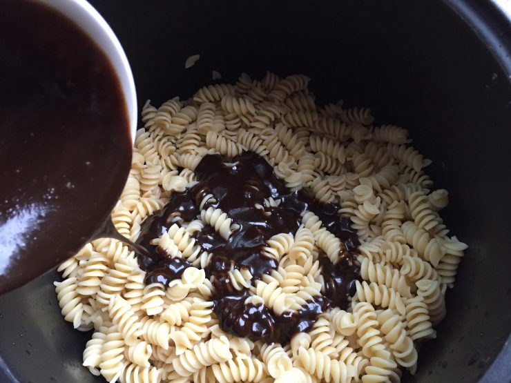 Cold pasta and dressing