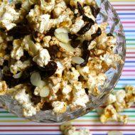 Snack Ideas: Coconut chocolate popcorn