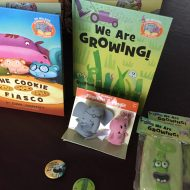 Elephant & Piggie like reading and so do we! (Prize pack giveaway!)