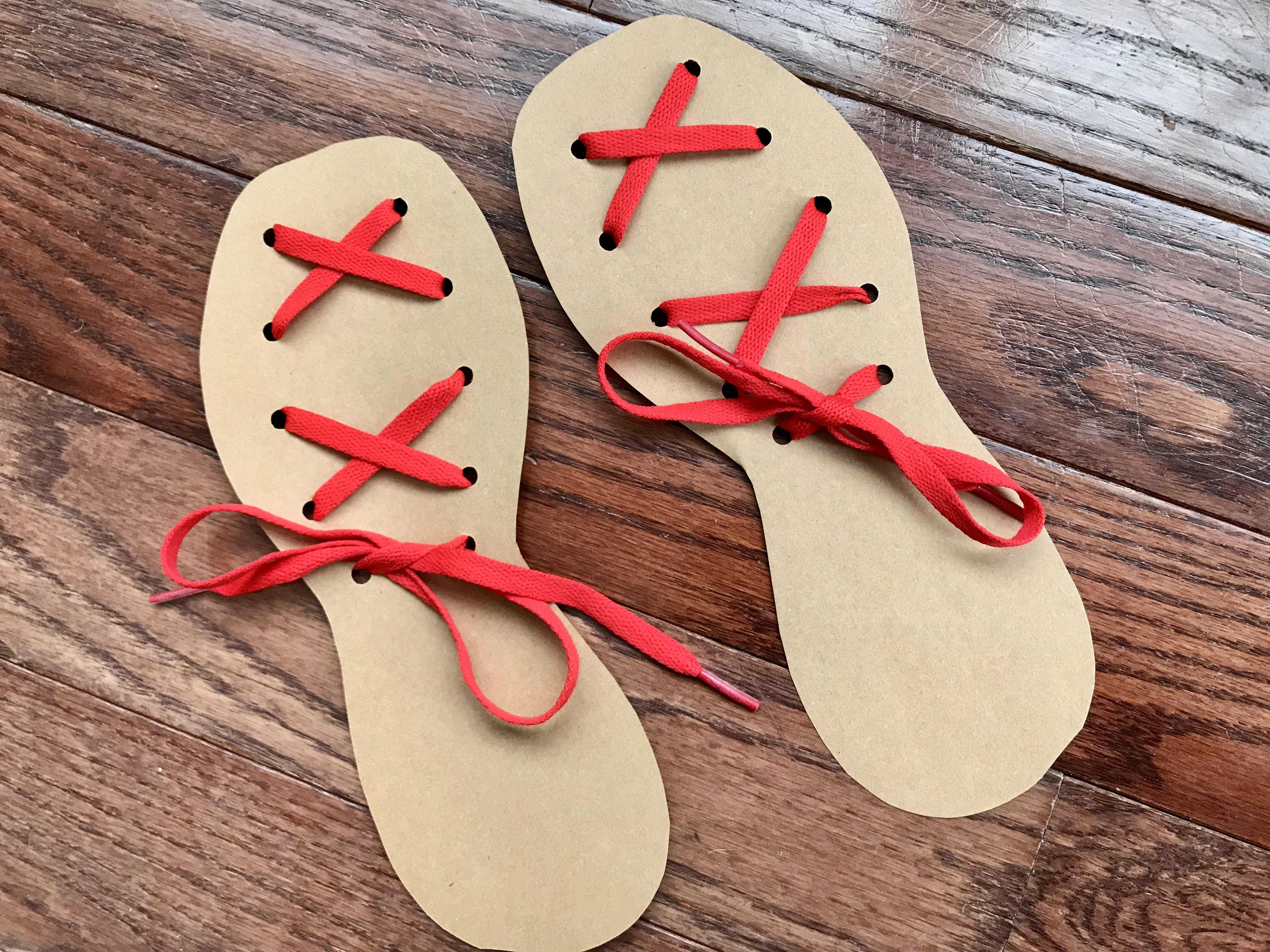 Communication on this topic: Easy DIY Shoelace Flip Flops, easy-diy-shoelace-flip-flops/